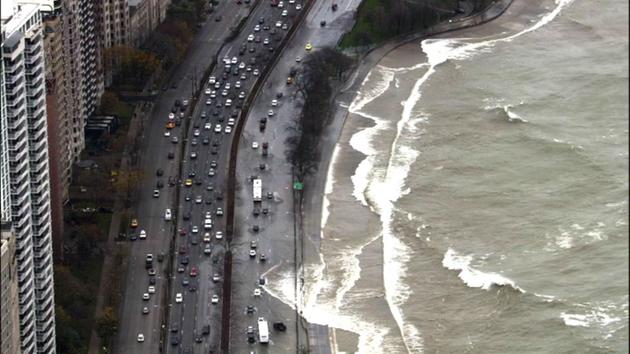 TRAFFIC ALERT: HIGH WAVES CLOSE LANES, DELAY TRAFFIC ON NB LAKE SHORE DRIVE