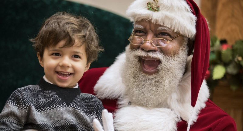 a creative story about a mall santa clause Resources free •amazoncom will •read the story with your child before a visit with santa i will go to visit santa claus sometimes, santa is at the mall.