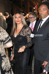Tina Knowles introduces Lorraine Schwartz to a mystery man at Angel Ball
