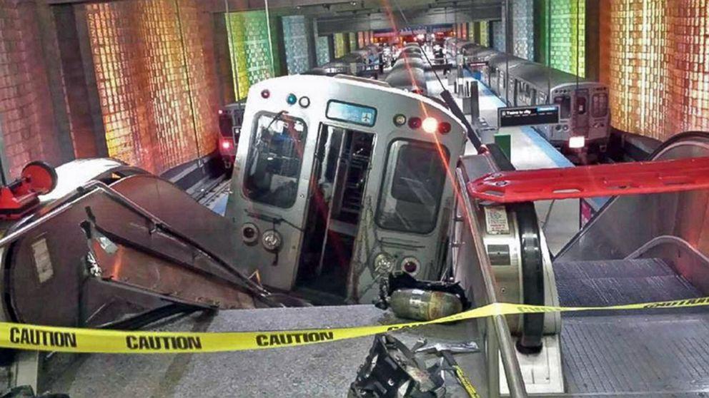 AP_train_crash_chicago1_ml_140324_16x9_992