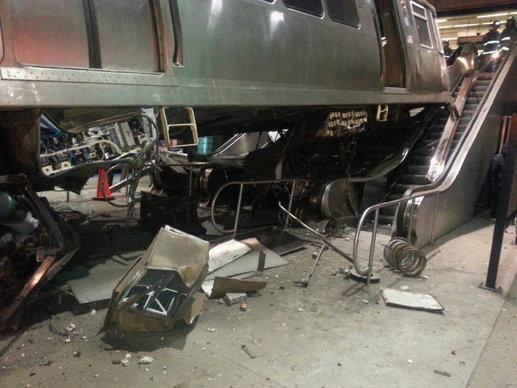 chi-blue-line-train-crash-ohare-photos-2014032-009