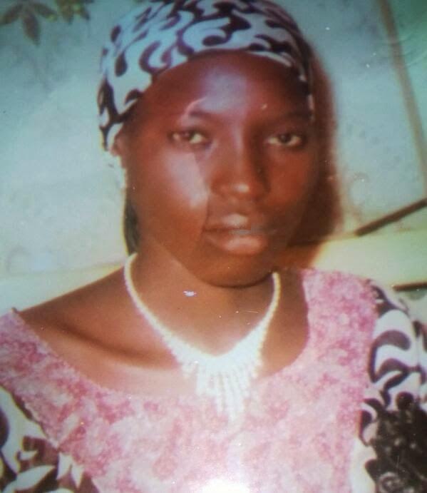 NIGERIAN SCHOOL GIRL ESCAPED
