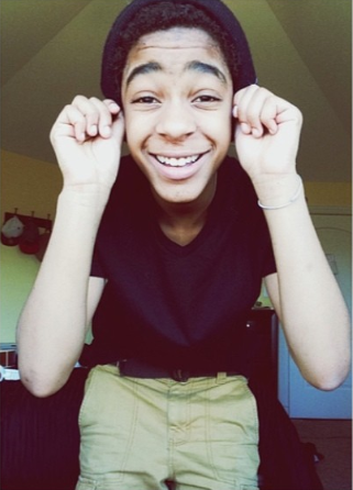 Photos: R Kelly's 14 Year Old Daughter Is Now A Boy!