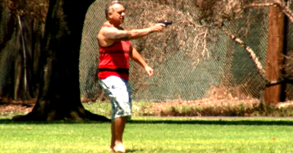 White Guy Points His Gun At Police After One Hour Stand Off, Only 1 Shot Fired Unbelievable!!! [ VIDEO]