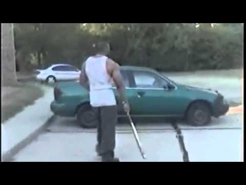 RAPPER CONFRONT INTERNET GANGSTA FOR TALKING SH*T ABOUT HIS MUSIC AND TEARS UP HIS CAR [VIDEO]