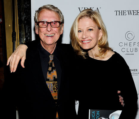 Mike Nichols Dead: Oscar-Winning Director and Husband of Diane Sawyer Has Died at 83