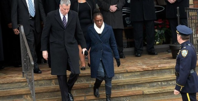 NYPD Have Become Fashion Police By Attacking Mayor De Blasio Wife Accusing Her Of Wearing Jeans To Slain Cop's Funeral