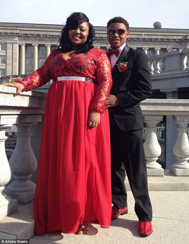 School Suspended Beautiful Plus Size Student Stating Prom Dress Was Too Revealing
