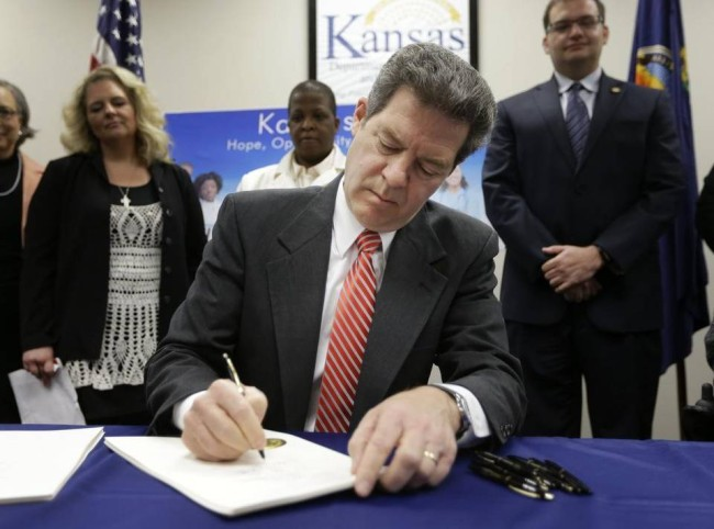 Welfare Recipients Will Have a Daily Withdrawal Limit Of $25.00 In Kansas
