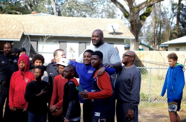Gainesville Police Lose Basketball Battle With Local Kids & Brings Shaquille O'neal For Backup