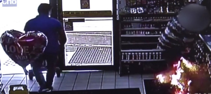 [ Video] E-Cigarette Explodes In Man's Pants Pockets At Gas Station Register