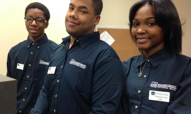 High School Students Open A Bank On Campus To Teach Other Students Financial Literacy