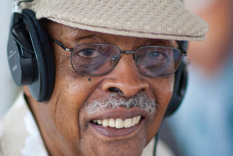 """Radio Legend & Chicago Icon Herb """"The Cool Gent"""" Kent Passes Away At Age 88"""