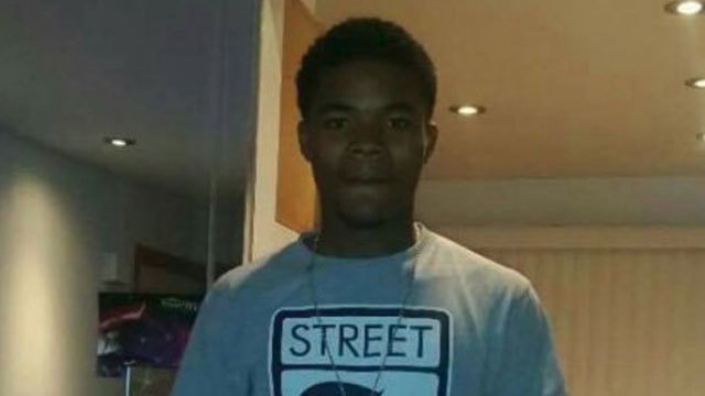 Chicago Cop Kills Unarmed 19-Year Old Teen Then Claims He Pointed A Gun At Him, Medical Examiners Says Teen Was Shot In His Back & Ruled A Homicide
