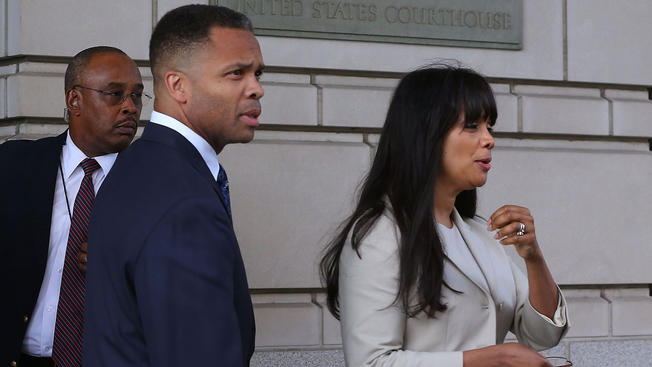 Trouble In Paradise: Jesse Jackson Jr. Files For Divorce From Wife Sandi Jackson