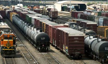 Chicago Gangs Allegedly Looting Freight Trains Full Of Guns Or Is This A Set Up?