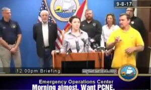 Fake Interpreter Pisses Off The Deaf Community As He Signed Complete Nonsense Before Hurricane Irma, Words Like Monster, Bear & Pizza